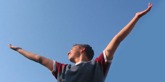 bras au ciel victoire